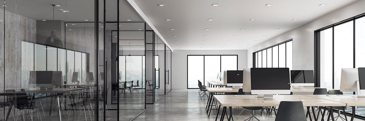orenga-finestres-separadores-oficina-cristal-aluminio-negro-ventanas